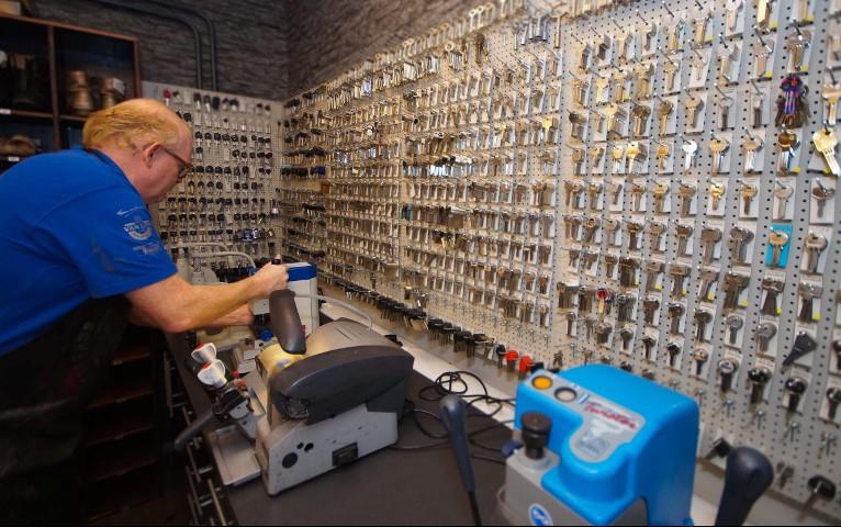 sleutels laten maken bij Schoenmakerij André